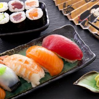 Sushi with salmon, tuna and shrimp - Obrázkek zdarma pro 128x128