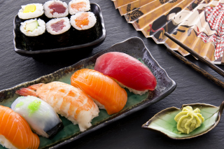 Sushi with salmon, tuna and shrimp - Obrázkek zdarma pro Widescreen Desktop PC 1600x900