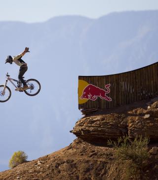 Red Bull Extreme Bicyclist - Obrázkek zdarma pro Nokia C-Series