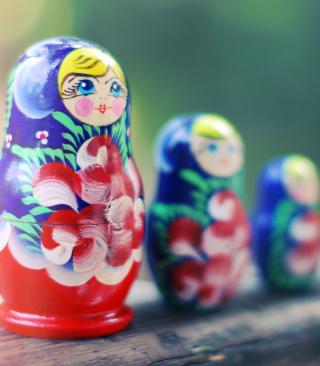 Russian Dolls - Obrázkek zdarma pro Nokia Asha 203