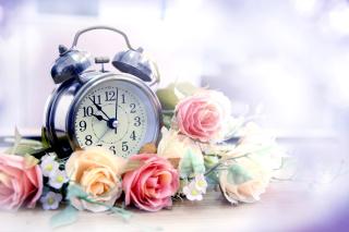 Alarm Clock with Roses - Obrázkek zdarma pro 1680x1050