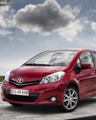 Toyota Yaris 2012 - Obrázkek zdarma pro Nokia C1-01