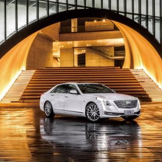 Cadillac CT6 on Auto Show - Obrázkek zdarma pro 208x208