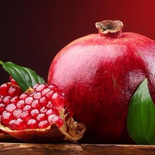 Ripe fruit pomegranate - Obrázkek zdarma pro iPad mini