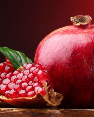 Ripe fruit pomegranate - Obrázkek zdarma pro iPhone 4